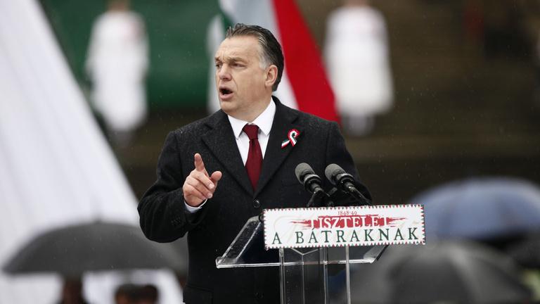 Orbán szerint ő '48, Brüsszel a bolsevik internacionalisták örököse