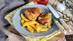 Csak egyszerűen: almás-szalonnás csirkecombok
