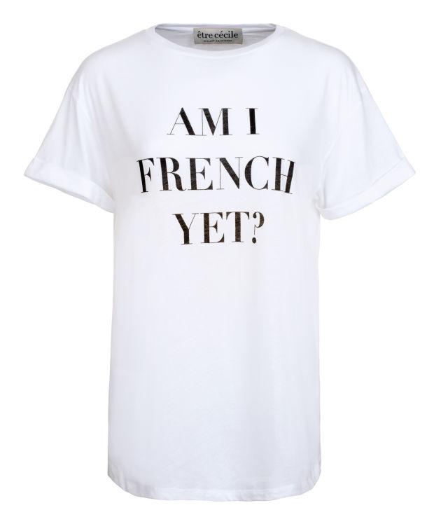 Menőnek számítanak az efféle vicces pólók is.