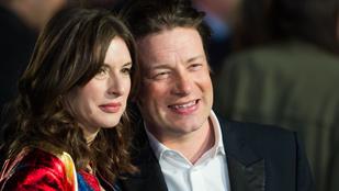 Jamie Oliver ötödször is apa lesz
