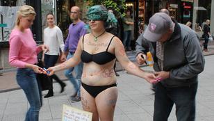 Akkor sem szexuális préda egy nő, ha levetkőzik a Váci utca közepén