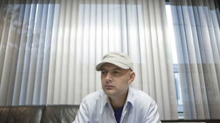 Sapkájával zsarolták meg Vujity Tvrtkót