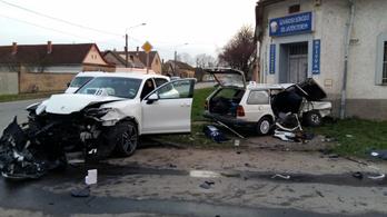 Porschéval ütközött egy Passat, egy ember meghalt