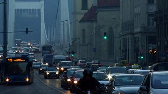 Budapesten 2 év alatt 2%-kal nőtt a dugó