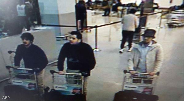 A fehér kabátban látható férfi elmenekült
