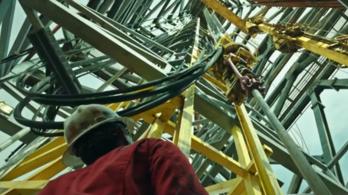 Mark Wahlberg most egy olajkúton lesz hős