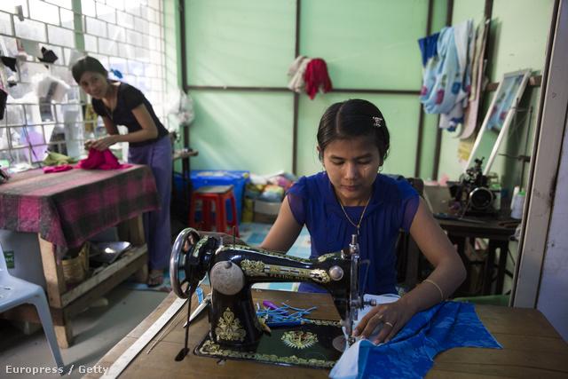 Mianmari varrónő munkában