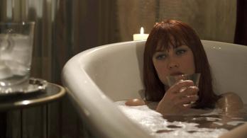 Kliséhegy akciófilm, elfelejtett Bond-lánnyal