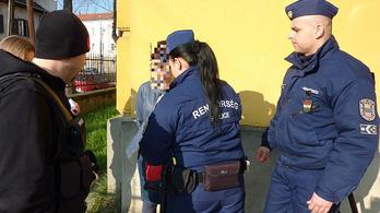 A rendőrség elfogta az unokázós csalókat