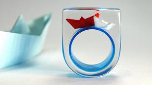 Menő vagy ciki gyűrűvel történetet mesélni?