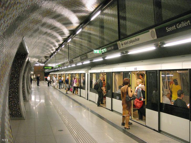 A 4-es metró kocsijait is az Alstom szállította