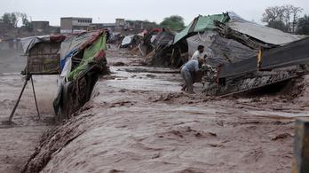 Legalább 36 halott Pakisztánban a heves esőzések miatt