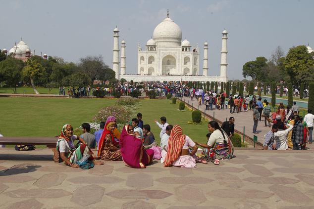 A Taj Mahal, Dzsahán sah síron túlig tartó szerelmének fehér márványba álmodott megtestesülése India egyik legnépszerűbb turistalátványossága