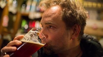 Miért kell sörözés közben folyton vizelni?
