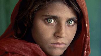 McCurry levetette a kendőt a muzulmán kislánnyal