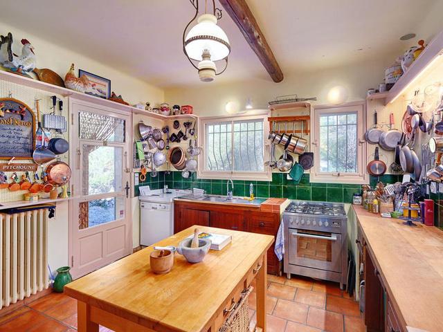 Így néz ki a híres konyha.