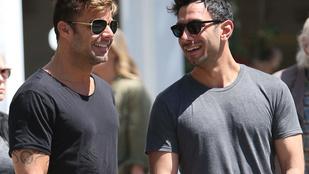 Nézzen szerelmesen andalgó Ricky Martint!