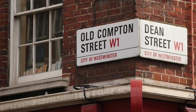 Marx Dean Street-i otthonát is felkeresik
