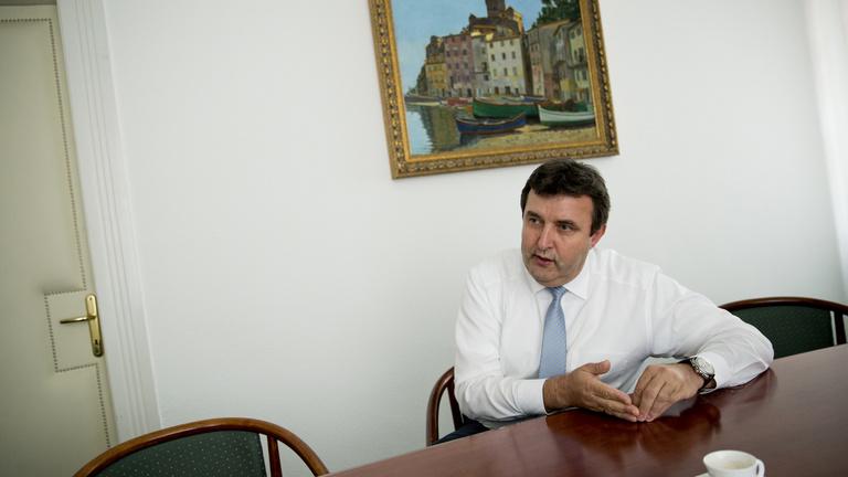 Palkovics lemondását követeli az antikorrupciós szóvivő