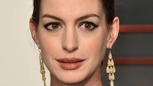 Anne Hathaway egy kisfiú büszke anyukája lett