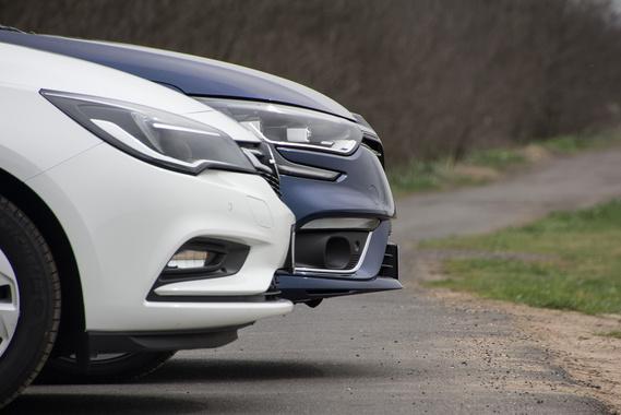 Az Opel orra erősebben lejt, a Renault magasabban hordja