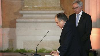 Lemondott az újságírókat pofonnal fenyegető portugál miniszter