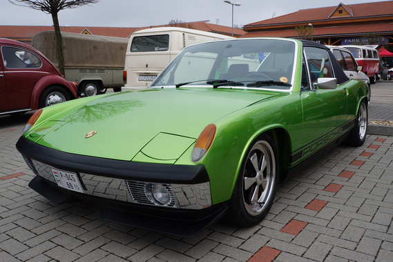 A 914-essel szemben elég szkeptikus az autós társadalom. Engem ez a metálzöld darab levett a lábamról.