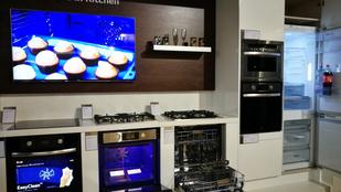 4 bankkártya vastagságú tévé, dupla mosógép, kopogós hűtő a prémium élet kelléke