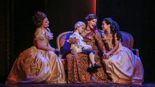 A nyaklánctól a nyaktilóig – Marie Antoinette az Operettben