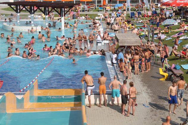 Napfényfürdő Aquapolis