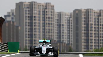 Rosberg nagyon simán nyerte a Kínai Nagydíjat