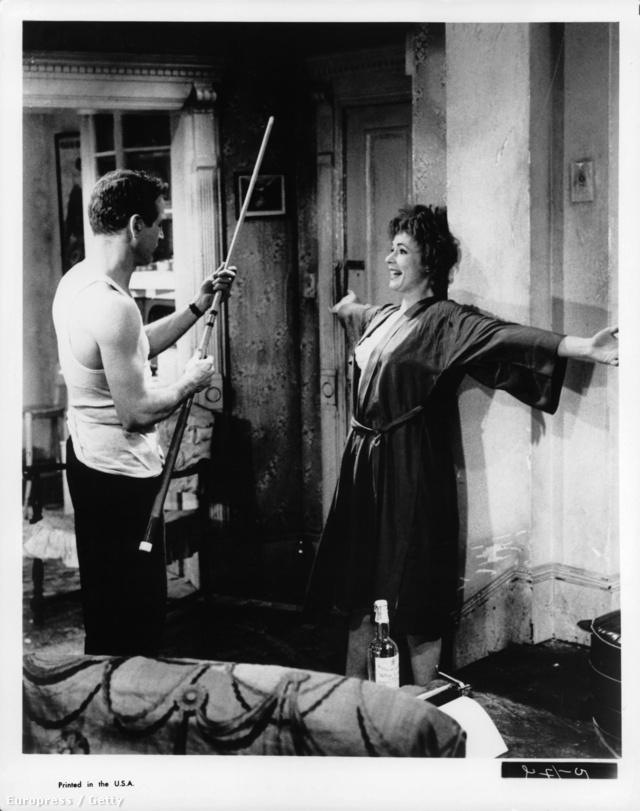 Paul Newman és Piper Laurie a Svindler című film egyik jelenetében 1961-ben.