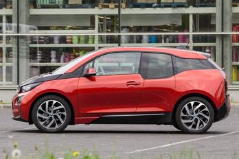 Lanyhul a kereslet a BMW i-modellek iránt