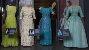 Kiállítják Erzsébet királynő legszebb ruháit