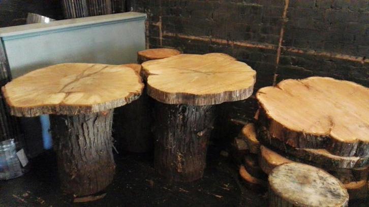 Ilyen asztalok lesznek az étteremben