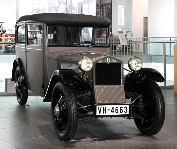 A világ egyik első sorozatgyártású, fronthajtásos autója ez a DKW Front
