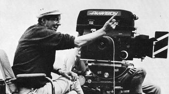 Elhunyt Guy Hamilton, 4 Bond film rendezője
