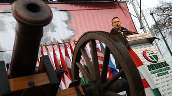 Alkotmánybíróság: Nem nevezhetik szélsőjobboldalinak a tévében a Jobbikot