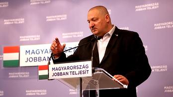 A Fidesz-alelnök nem ismeri az MNB-aktákat, de mindenkit megtaníttatna románul