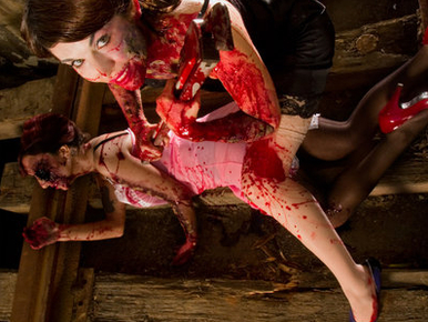 Akasszon falára nosztalgikusan szexi zombilányokat