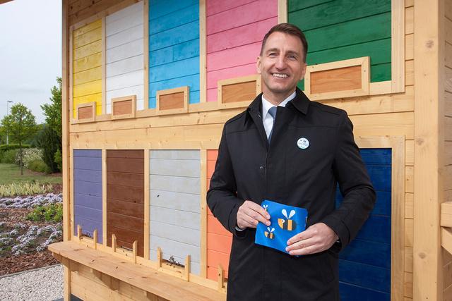 Székács Tibor, az Aldi ügyvezető igazgatója mesélt arról, milyen kampányt indított a cég a méhek  hasznosságának és fontosságának tudatosítására.