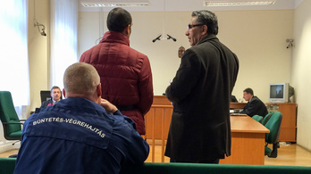 Rosszul kezdett a bíróságon az ügyészség röszkei terroristája