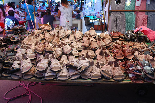 Tradicionális huarache cipők