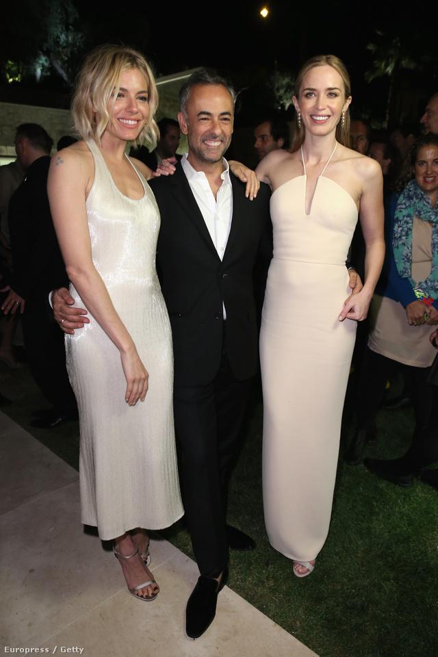 Sienna Miller és Emily Blunt is Calvin Klein estélyiben ölelgeti a divatház tervezőjét a 68. cannes-i filmfesztiválon.