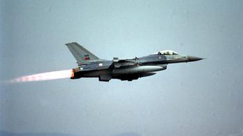A cél helyett az irányítótornyot találta el egy F-16-os