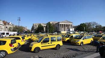 Tüntetnek a taxisok