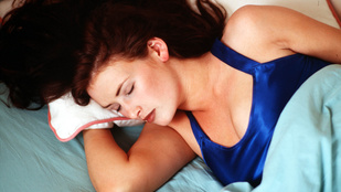 Ezért alszik rosszabbul idegen ágyban