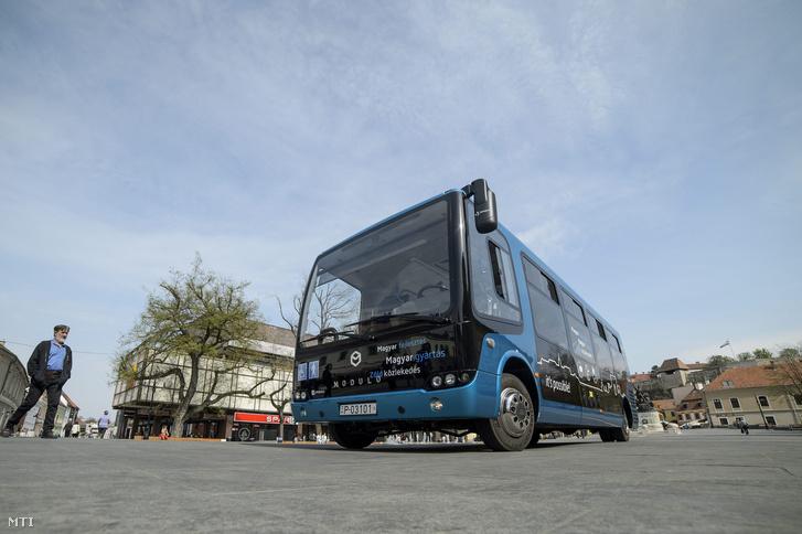 A MABI Bus Kft. által gyártott Modulo busz.