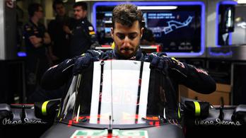 Tényleg pilótafülkét tett az RBR az F1-kocsira