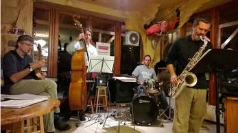A jazz barlangkapcsolata